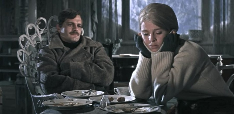 Still of Yuri and Lara from 1965's Doctor Zhivago